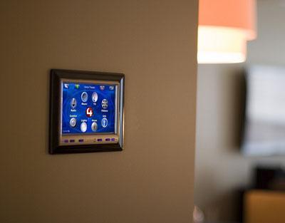Na co zwrócić uwagę przy wyborze alarmu do domu?