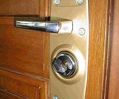 Bezpieczne drzwi, antywłamaniowe drzwi