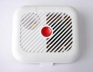 Dlaczego warto zainwestować w czujniki dymu?