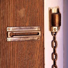 Bezpieczne drzwi, bezpieczny dom